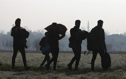 """Migranti, Grecia: """"Bloccate 10mila persone al confine turco"""""""