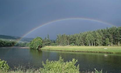 Arcobaleno: cos'è, come si forma e da cosa dipendono i suoi colori