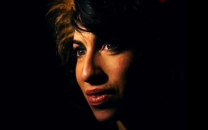"""Amy Winehouse a 17 anni canta """"My own way"""", spunta una demo"""