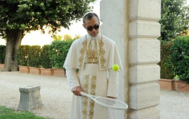 the-young-pope-04