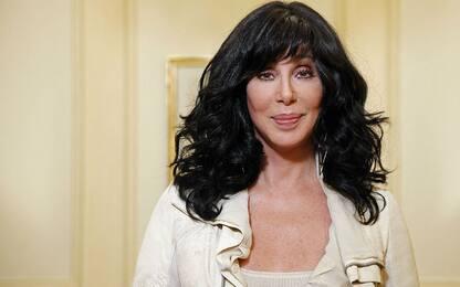"""""""Gimme! Gimme! Gimme!"""", Cher canta gli Abba"""