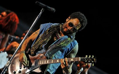 Lenny Kravitz festeggia 54 anni con un nuovo singolo