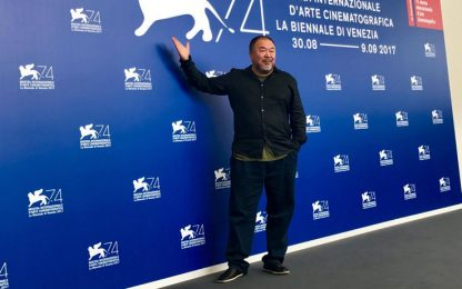 Venezia 2017, Ai Weiwei racconta i profughi: sforzi Italia ammirevoli