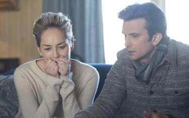 Sharon_Stone_as_Olivia_Lake__Frederick_Weller_as_Eric_-_credit_Claudette_Barius_HBO