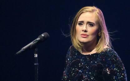 Adele chiede ufficialmente il divorzio