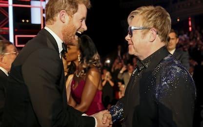 Al matrimonio reale tra Harry e Meghan si esibirà Elton John
