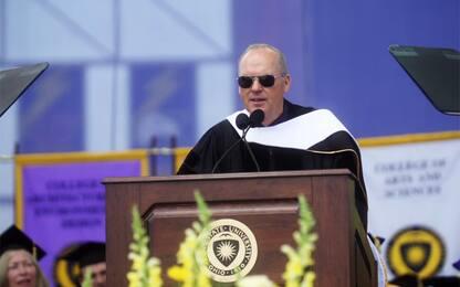 """Michael Keaton ai laureandi: """"Ricordate tutti, io sono Batman"""". VIDEO"""