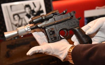 Star Wars, la pistola di Han Solo venduta all'asta per 470mila euro