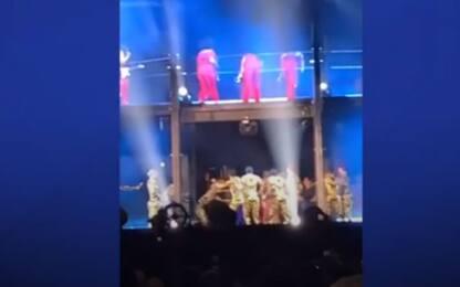 Invasione di palco durante il concerto di Beyoncé e Jay-Z