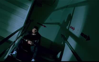 """Eminem, ecco """"Fall"""", il video del brano accusato di omofobia"""
