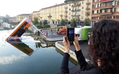 """A Milano un bus """"dedicato"""" a Spiderman"""