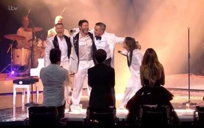 Robbie Williams si riunisce con i Take That alla finale di X Factor UK