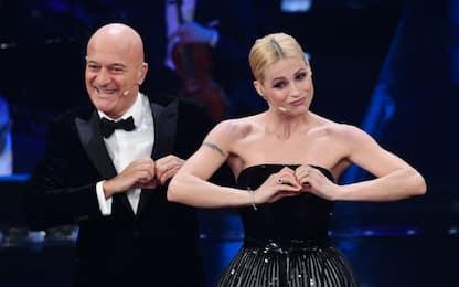 Sanremo 2019, la gag tra Michelle Hunziker e Claudio Bisio