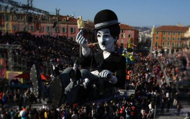 1GettyImages-nizza_carri_carnevale_2019