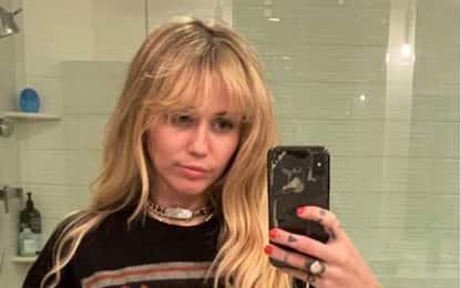 Miley Cyrus torna Hannah Montana per una volta. VIDEO