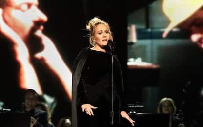 Adele annuncia la separazione dal marito Simon Konecki