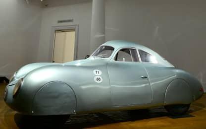 Type 64, la Porsche più antica all'asta da Sotheby's. FOTO