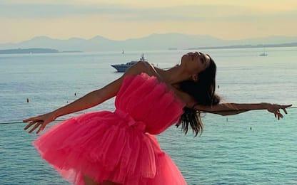 Flamingo Pose, la nuova tendenza sugli account Instagram vip