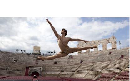 Roberto Bolle a Verona: l'étoile all'Arena con i friends
