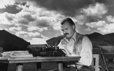 GettyImages-Ernest_Hemingway_desktop