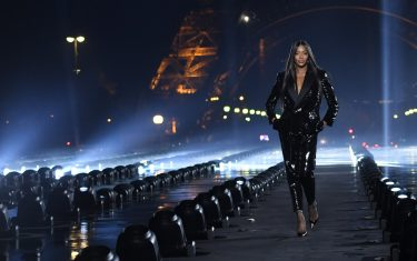 0GettyImages-naomi-campbell-ysl-sfilata-2019