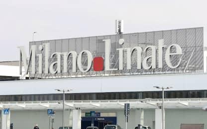 Rubavano auto nei parcheggi di Linate e Malpensa: due in manette