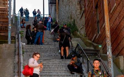 Joker: troppi fan sulla scale del Bronx, rabbia dei residenti. VIDEO