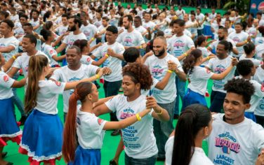 GettyImages-Guinness_World_Record