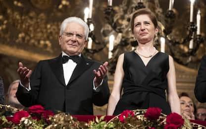 Il tributo della Scala a Mattarella, 4 minuti di applausi: VIDEO