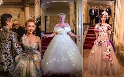 Prima della Scala, ecco i look più stravaganti. FOTO