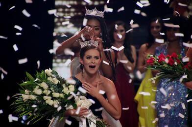 Miss America 2020, le foto della vincitrice Camille Schrier