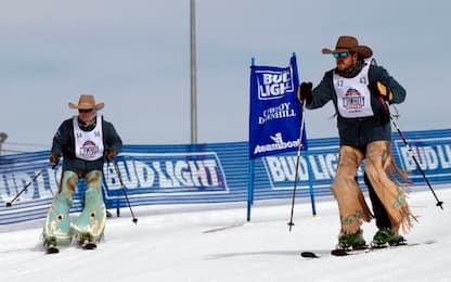 Colorado, i cowboy diventano sciatori per un giorno. FOTO