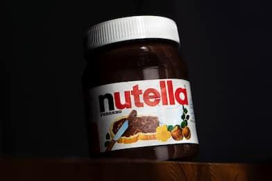 World Nutella Day: la storia della crema, tra barattoli e biscotti