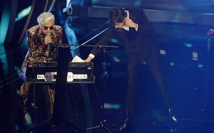 Sanremo, Morgan cambia il testo e Bugo lascia il palco: squalificati