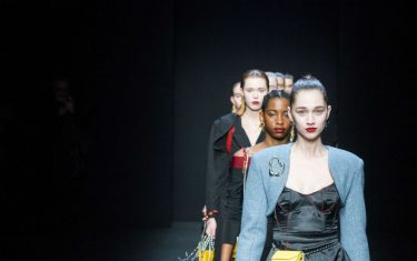 Foto_Milano_Fashion_Week_2020_China_we_are_with_you_Hero_orizzontale
