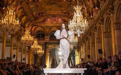 Vivienne Westwood: in passerella a Parigi anche Bella Hadid
