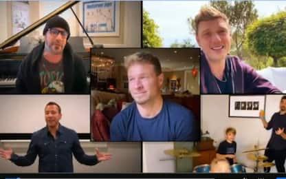 Coronavirus, i Backstreet Boys cantano insieme dalle loro case. VIDEO