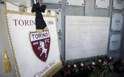 Il ricordo del Grande Torino, 71 anni fa la tragedia di Superga