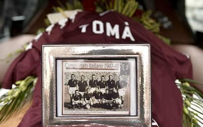 Mima l'aereo di Superga, Juventus inibisce un tifoso per cinque anni