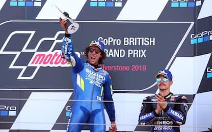 MotoGp, Gp Silverstone: vince Alex Rins. Video highlights della gara