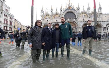 foto-hero-venezia-italia-donnarumma-vialli-ansa