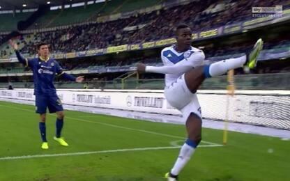 Cori razzisti a Balotelli, sospesa chiusura settore stadio Verona
