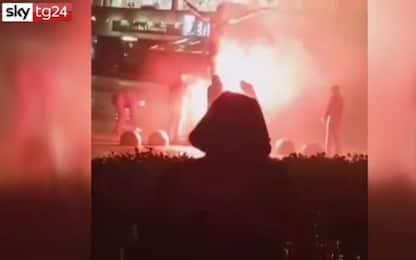 """Malmoe, incendiata la statua del """"traditore"""" Ibrahimovic. VIDEO"""