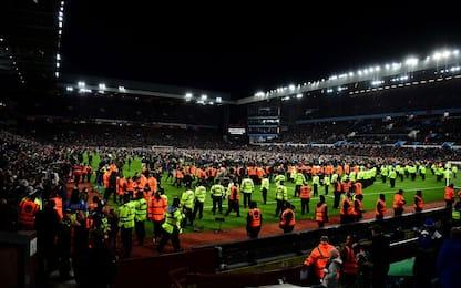 Aston Villa in finale: i tifosi invadono il campo