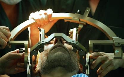 Cervello, nuova mini-protesi per pazienti con paralisi: al via i test