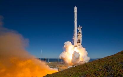 SpaceX torna in orbita: il Falcon 9 porta nello spazio dieci satelliti
