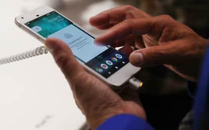 Google, proposta a LG: schermo curvo per i prossimi Pixel?