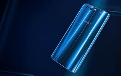 """Smartphone, Honor 9 sfida OnePlus e Oppo nel """"low cost"""" di alta gamma"""