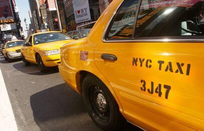 Google lancia il primo servizio di taxi senza guidatori