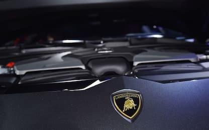 Coronavirus, Lamborghini chiude fabbrica di Bologna fino al 25 marzo